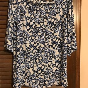 Chico's size 1 Travelers top